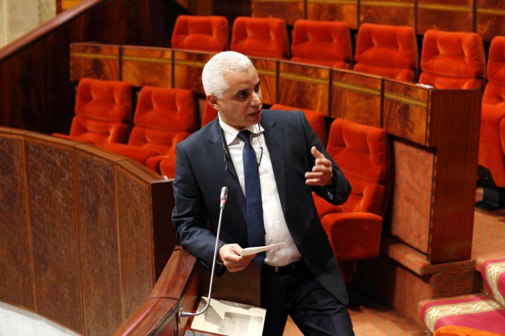وزير الصحة يعلن توظيف 1150 إطار دفعةً واحدة