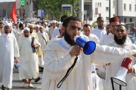 القيمون الدينيون يحتجون على وزارة الأوقاف أمام البرلمان والمجلس العلمي الأعلى – لكم-lakome2